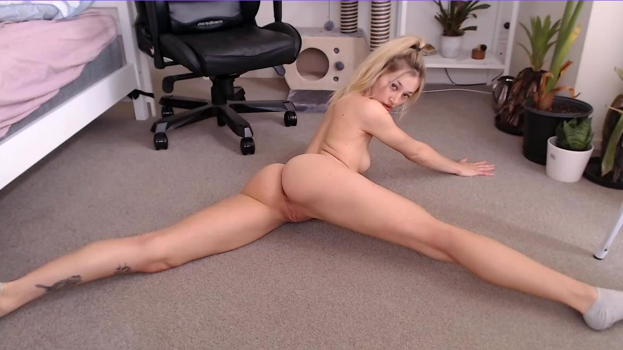 ManyVids – MissAlice_94 – Freaky Girl Booty Tease and Deepthroat – Blonde